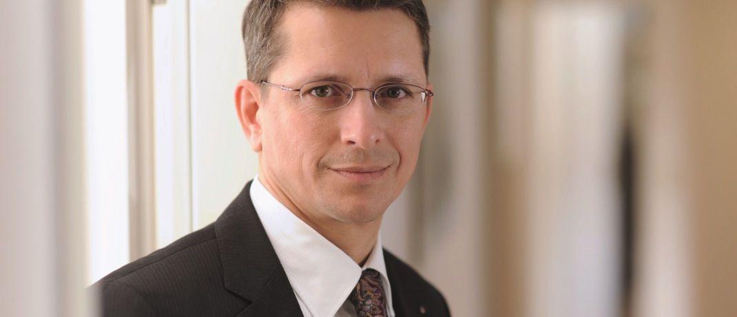 Norman Wirth ist Vorstand beim Vermittlerverband AfW. Der Verband ist immer wieder an Gesprächen beteiligt, die die neue Finanzanlagenvermittlungsverordnung (FinVermV) vorbereiten. © AfW