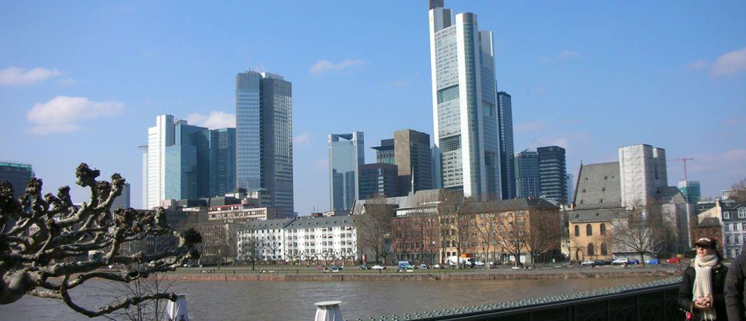 Frankfurt: Deutschlands Banken verdienen mit ihren Privatkunden immer weniger Geld.|© O. Fischer / <a href='http://www.pixelio.de/' target='_blank'>pixelio.de</a>