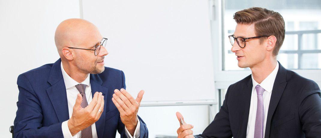 Michael Günther (l.) und Sascha Hinkel: Der Tungsten-Portfoliomanager und der Deka-Fondsselekteur erklären, wie Künstliche Intelligenz im Portfoliomanagement eingesetzt werden kann.|© DAS INVESTMENT