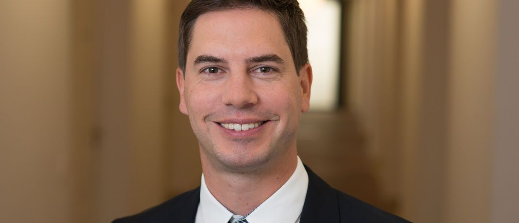 Florian Grenzebach ist Bereichsleiter Vertrieb und Kundenbetreuung bei der V-Bank.|© V-Bank
