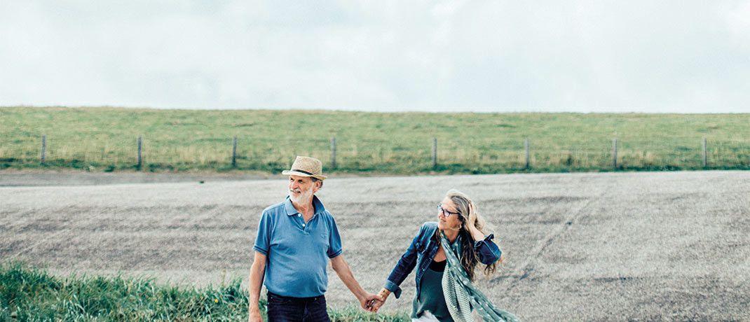 Weitsicht und Freiheit: Wer für die Rente vorsorgt, hat im Alter mehr vom Leben.|© middelveld/IStock