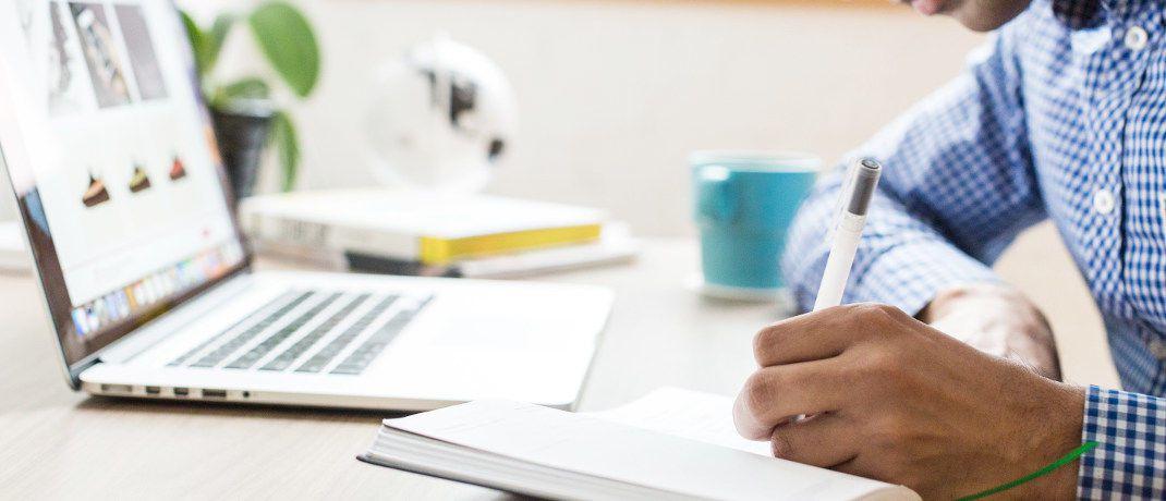 Weiterbildungspflicht in der Versicherungsbranche: Going Public hat insgesamt 21 häufige Fragen mit den dazugehörigen Antworten zusammengestellt.|© Burst