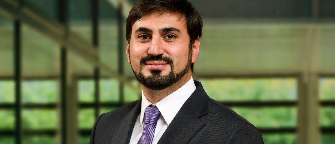 Osman Sacarcelik ist als Rechtsanwalt und Senior-Manager im Frankfurter Büro von Deloitte Legal tätig|© Deloitte Legal