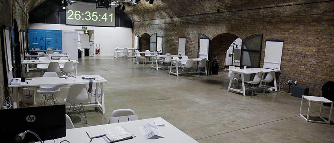 Ort des Geschehens: In dieser Garage in London lief der Hackathon von AGI|© AGI