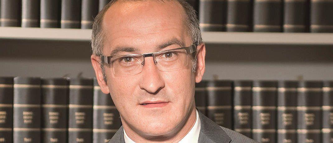 Oliver Renner: Der Fachanwalt für Bank- und Kapitalmarktrecht der Rechtsanwaltskammer Stuttgart ist Lehrbeauftragter der Fachhochschule Schmalkalden und der Hochschule Pforzheim.