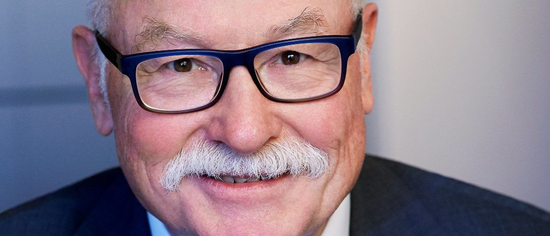 Chefvolkswirt von  Assenagon Martin Hüfner will einen neuen Trend in puncto Leitwährungen erkannt haben.|© Assenagon