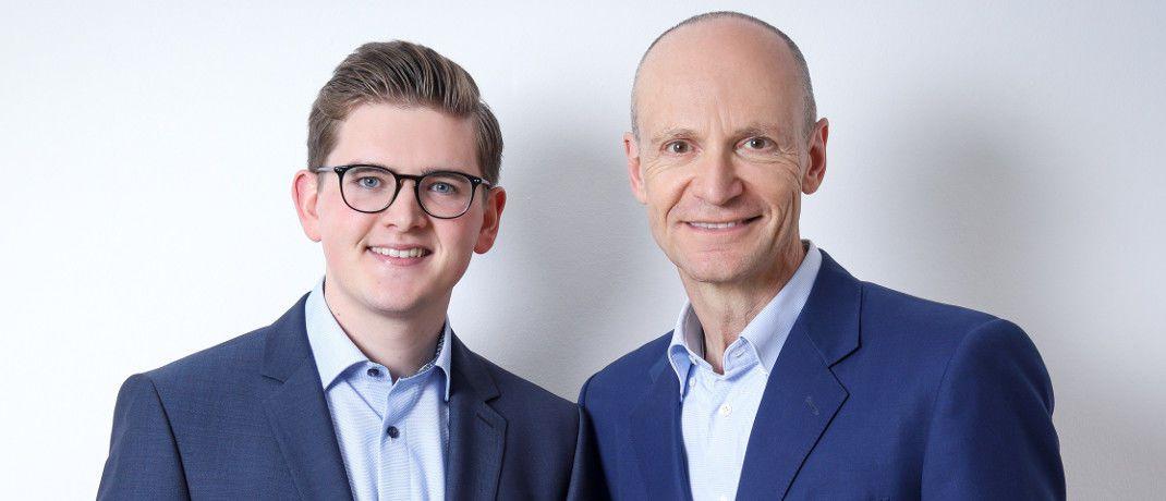 Jonas Schweizer (li.) und Gerd Kommer von der Honorarberatung Gerd Kommer Invest erläutern das betriebswirtschaftliche Konzept der Cash-Flow-Kaskade.|© Gerd Kommer Invest