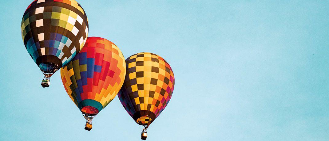 Heißluftballons in Frankenmuth, USA: BRW setzt auf eine Strategie mit drei Phasen. Sie starten mit aktivem Zyklus management, gefolgt von Renditeausbau und anschließend dem Erhalt der Rendite.|© aaron burden/Unsplash