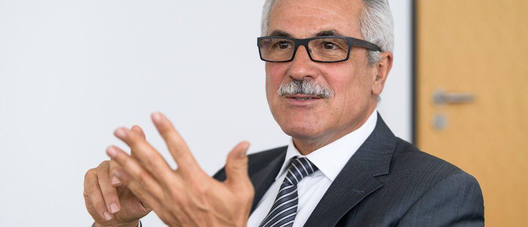 Rudolf Geyer: Der Der Sprecher der Geschäftsführung der European Bank for Financial Services (Ebase) blickt auf fünf Jahre Robo-Advice in Deutschland zurück. Das Unternehmen aus Aschheim verwaltet ein Kundenvermögen von rund 30 Milliarden Euro.