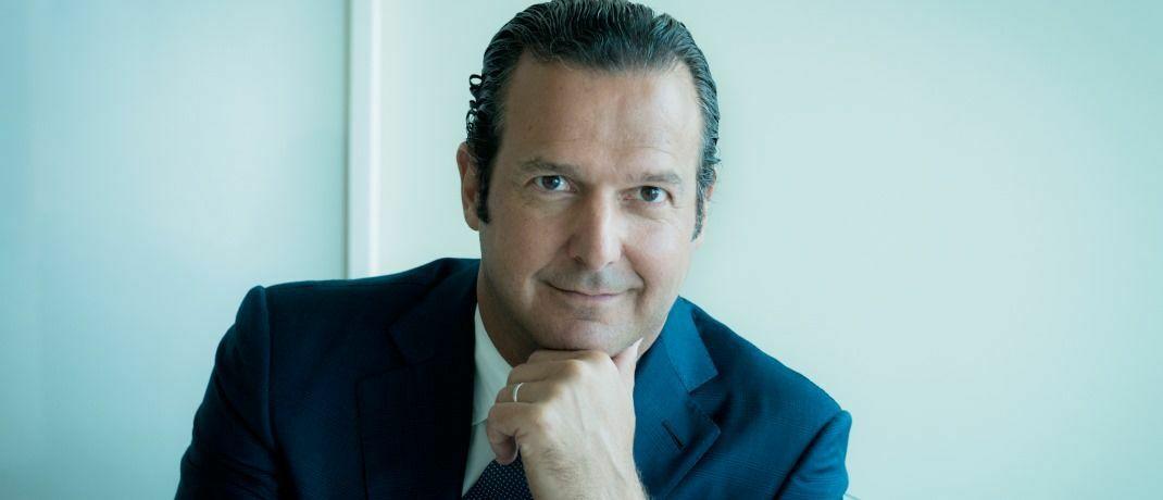 """Laurent Ramsey, Managing Partner und CEO von Pictet Asset Management: """"Wenn Anleger heutzutage gängige Benchmarks nachbilden, tragen sie unweigerlich zur Finanzierung von Unternehmen bei, die an der Herstellung umstrittener Waffen beteiligt sind."""" © Pictet AM"""