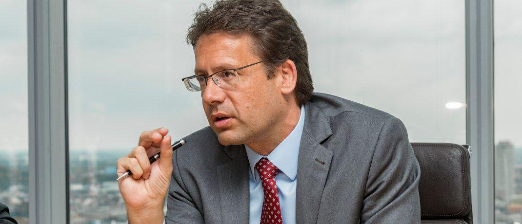 Elmar Peters: Der Co-Chef des Multi-Asset-Teams bei Flossbach von Storch verantwortet die Portfolios der Fonds Flossbach von Storch - Multi Asset – Defensive (ISIN: LU0323577923), Balanced (LU0323578145) und Growth (LU0323578491). Außerdem ist er stellvertretender Fondsmanager des Flossbach von Storch Multiple Opportunities (LU0323578657) und Flossbach von Storch Multiple Opportunities II (LU0952573482).|© Juergen Bindrim