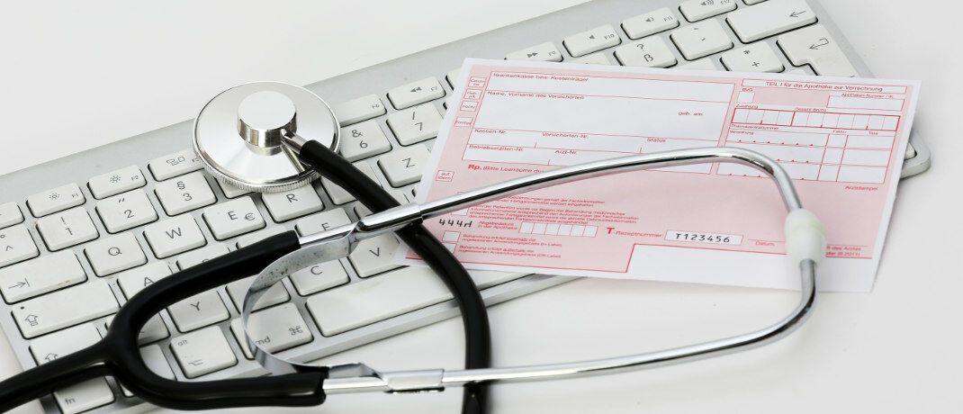 Streitthema Kosten&uuml;bernahme durch die Krankenversicherung: &Uuml;ber einen privaten Krankenversicherer beschwerten sich laut Map-Report zwischen 2013 und 2017 im Schnitt knapp 3,2 Kunden pro 100.000 Vertr&auml;ge bei der Bundesanstalt f&uuml;r Finanzdienstleistungsaufsicht.&nbsp;|&nbsp;&copy; Tim Reckmann / <a href='http://www.pixelio.de/' target='_blank'>pixelio.de</a>
