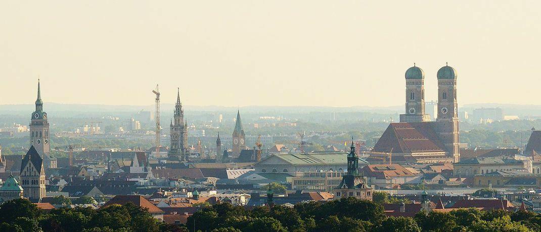 München-Panorama: In München nehmen Käufer und Bauherren weiterhin die höchsten Darlehen auf. |© Pixabay
