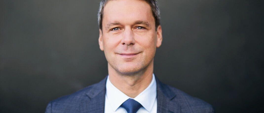 Sven Nowroth übernahm 2009 Kundenbetreuung und Geschäftsführung der heutigen nVest Vermögensberatung. 2018 trat er zudem in die Geschäftsführung von Hammonia Asset Management ein.|© nVest