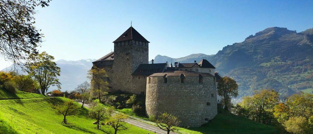 Schloss Vaduz Liechtenstein: Ein Produkt der Liechtenstein Life Assurance steht im Fokus der Kritik des Bundes der Versicherten.