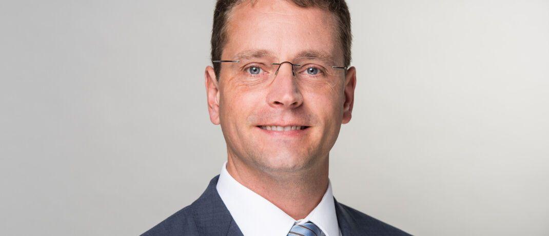 Niels Nauhauser ist Finanzexperte bei der Verbraucherzentrale Baden-Württemberg. Die Verbraucherschützer prangern vermeintlich viel zu geringe Zinszahlungen von Banken an.|© Verbraucherzentrale Baden-Württemberg