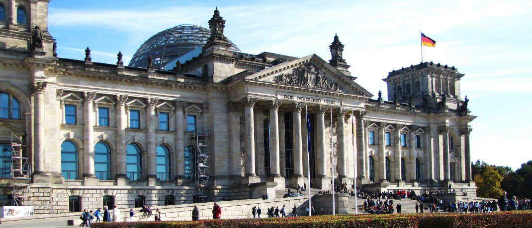 """Reichstagsgebäude in Berlin: Der aktuell diskutierte Gesetzentwurf dürfe """"wegen offenkundiger Verfassungswidrigkeit nicht im Bundestag zur Abstimmung kommen"""", erwartet Norman Wirth, Geschäftsführender Vorstand des AfW."""