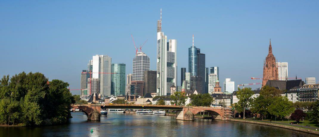 Frankfurt: Vertreter der deutschen Bankenbranche kritisieren aktuell die Pläne für einen Provisionsdeckel bei Restkreditversicherungen. |© Bankenverband - Bundesverband deutscher Banken