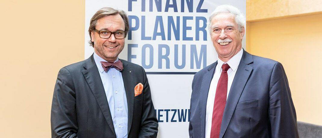 Guido Küsters (li.) und Otto Lucius haben die Veranstaltungsreihe Finanzplaner Forum ins Leben gerufen. Sie feiert 2019 ihr 5-jähriges Jubiläum.|© Oliver Lepold