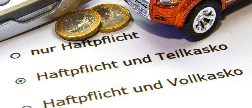 Kfz-Policen: Das Vergleichsportal Check 24 darf Versicherungstarife der Huk-Coburg nicht mehr wie bisher zeigen|© Thorben Wengert  / <a href='http://www.pixelio.de/' target='_blank'>pixelio.de</a>