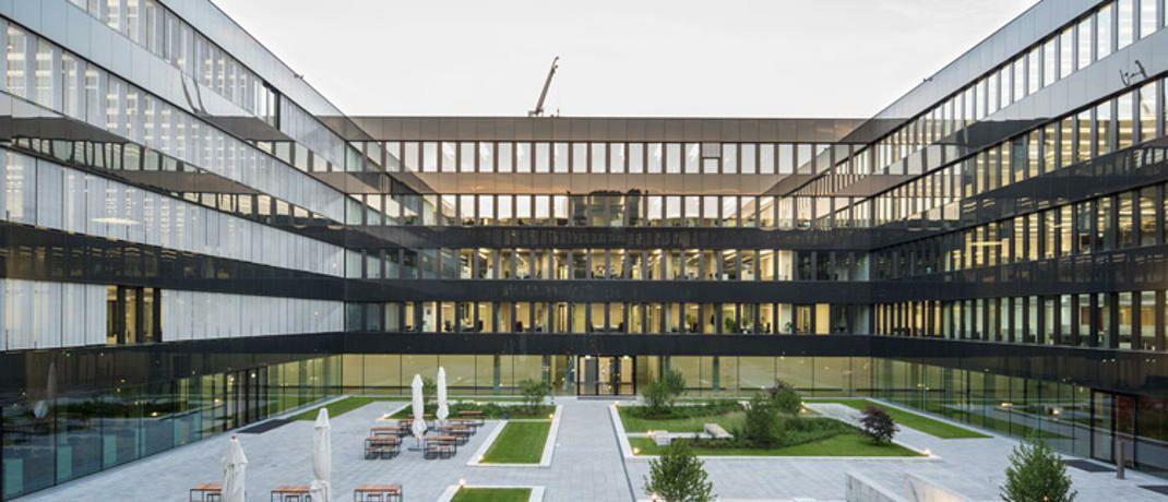 Gebäude der Munich Re: Laut einem Bericht der Süddeutschen Zeitung versichern die Münchner künftig Kundenguthaben des israelisch-amerikanischen Start-ups Curv.|© Marcus Buck, München