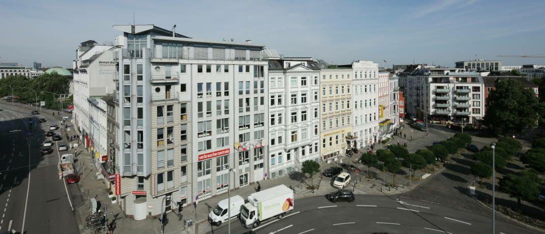 Verbraucherzentrale Hamburg: Die Verbraucherschützer haben jetzt die Axa Versicherung abgemahnt.|© Jochen Knobloch