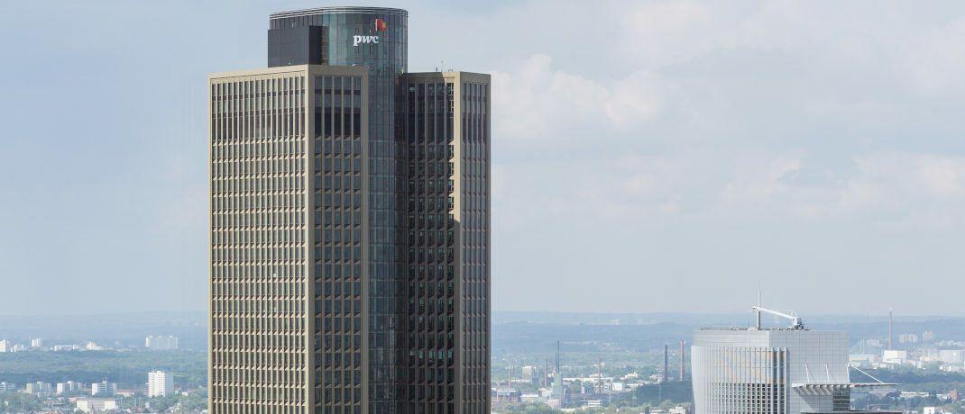 Gehört der Deka: Der 200 Meter hohe Tower 185 in Frankfurt am Main|© Roland Meinecke, GNU Licence 1.2