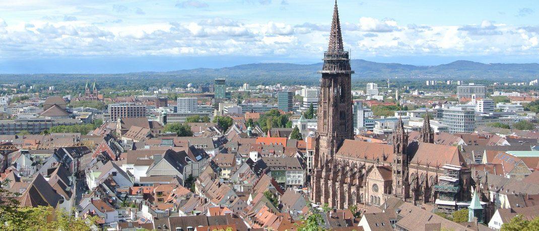 Blick auf Freiburg: Die Immobilien der Breisgau-Metropole sind einer Studie zufolge besonders aussichtsreich für Anleger  |© Pixabay