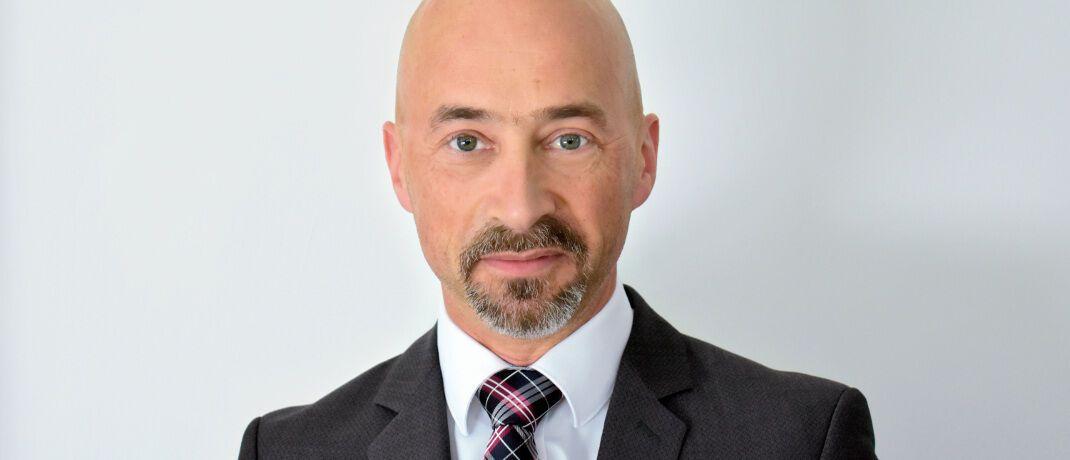 Oliver Huber ist geschäftsführender Gesellschafter der 2004 gegründeten Finanzberatung HWV Huber, aus der 2013 die Fonds-Invest entstand