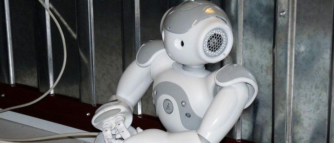 Roboter: Auch in der Finanz- und Versicherungswirtschaft kommt Künstliche Intelligenz (KI) immer öfter zum Einsatz.|© Dieter Schütz / <a href='http://www.pixelio.de/' target='_blank'>pixelio.de</a>