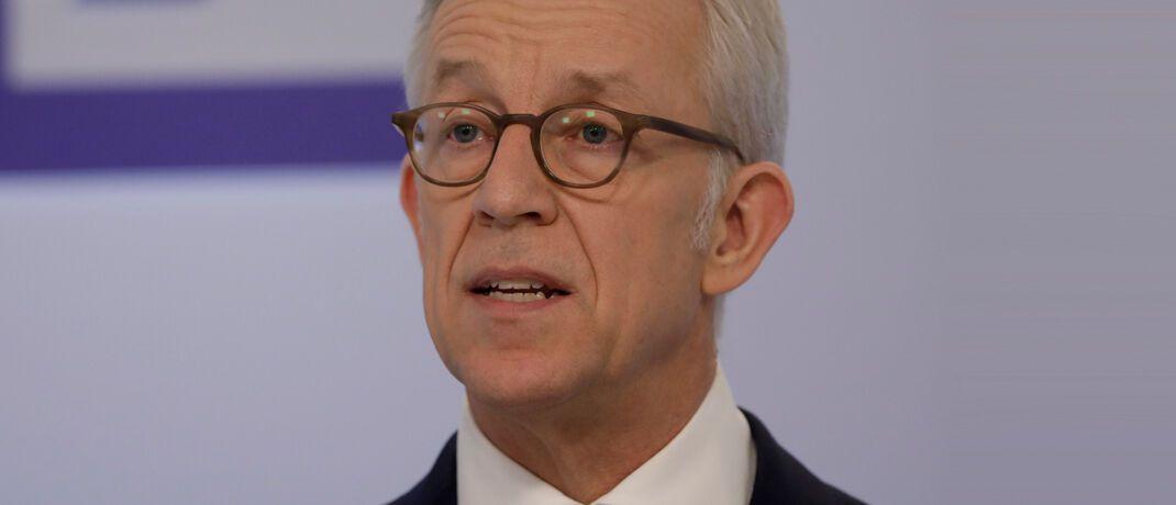 Karl von Rohr, stellvertretender Vorstandsvorsitzender der Deutschen Bank, führte als Vorsitzender des AGV Banken die Tarifverhandlungen auf Arbeitgeberseite.