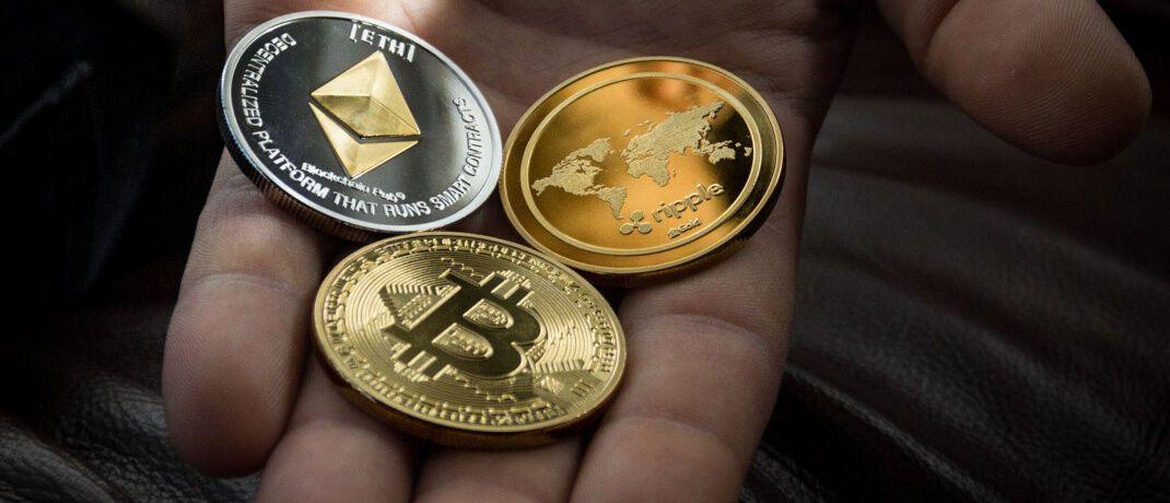 Symbolische Kryptowährungsmünzen: Bald will Facebook seine Währung Libra starten