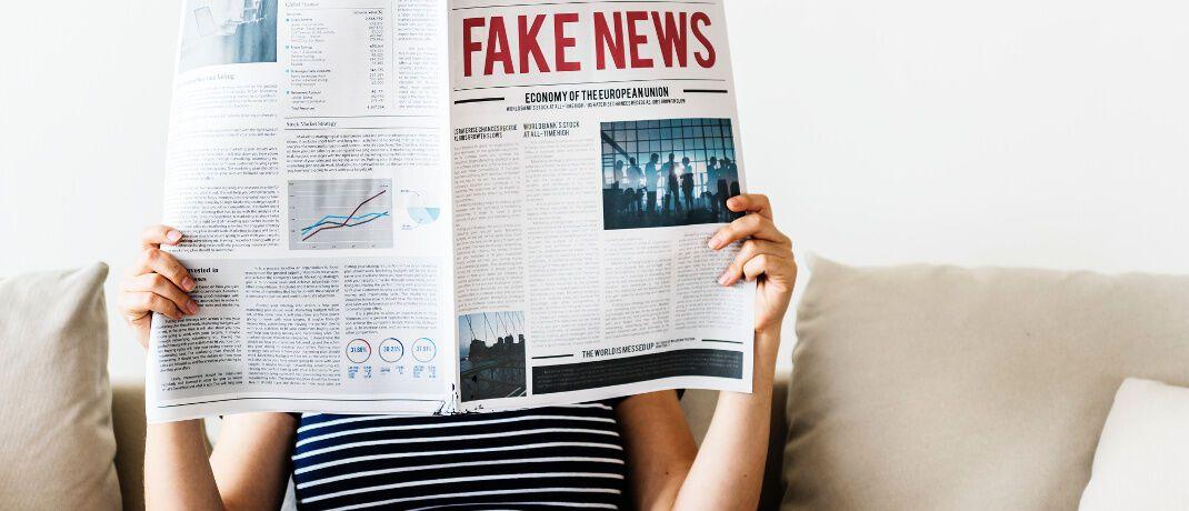 """Es ist nicht alles wahr, was in der Zeitung steht: Der Duden definiert Fake News als """"in den Medien und im Internet, besonders in den Social Media, in manipulativer Absicht verbreitete Falschmeldungen"""". © rawpixel.com"""