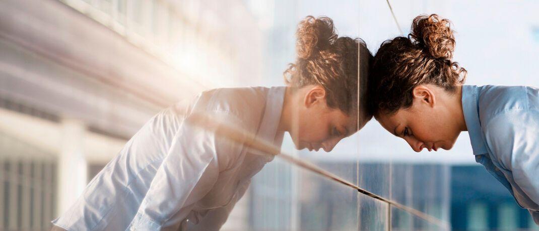 Ausgebrannt: Ein Burnout verursachte 2018 statistisch 5,3 Fehltage je 100 Versicherte.