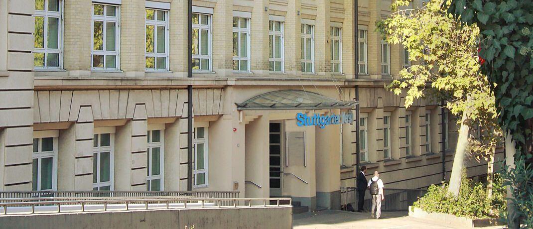 Unternehmenssitz der Stuttgarter Lebensversicherung: Vorstand Guido Bader erklärt das Verhalten des Unternehmens mit geringeren Kosten beim Erstatten von Beiträgen.