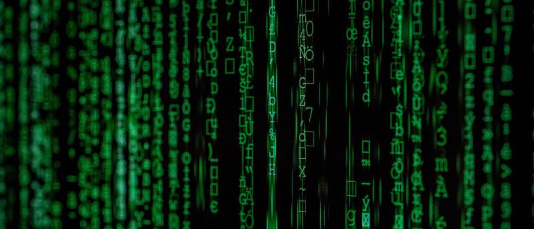 Datenkolonne: Im Film Matrix entsteht eine virtuelle Welt aus Programmiercodes. Was im Erscheinungsjahr 1999 noch wie Science-Fiction wirkte, ist heute gelebte Realität, sagt Titus Albrecht von Realxdata.|© Markus Spiske temporausch.com