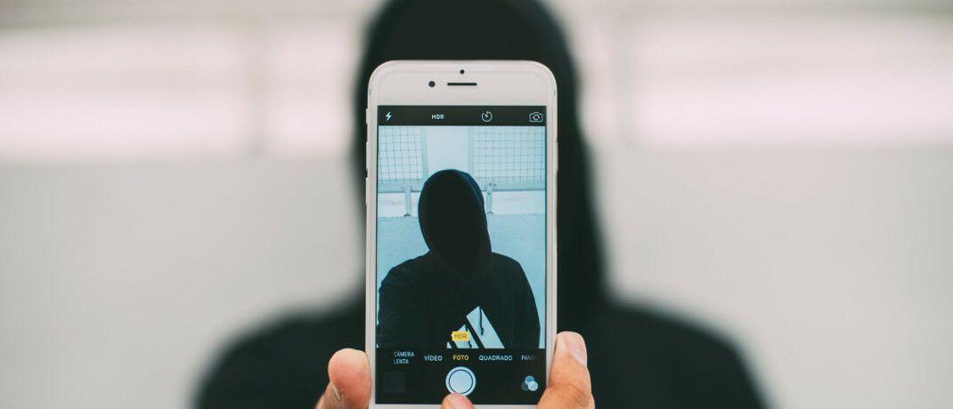 Smartphone-Daten und -Bilder: Viele Makler kennen sich mit Cyberversicherungen nicht aus.|© Pexels