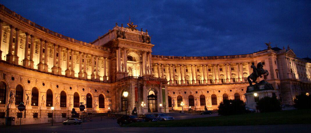 Wiener Hofburg: Eine 100-jährige Staatsanleihe Österreichs verzeichnet seit Jahresbeginn einen Kursgewinn von mehr als 70 Prozent. © Matthias Brinker / <a href='http://www.pixelio.de/' target='_blank'>pixelio.de</a>