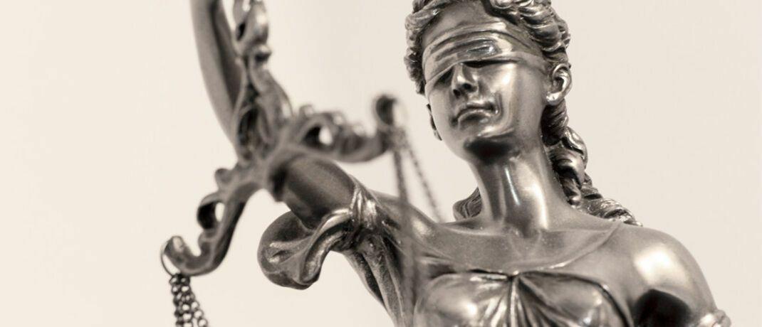 Justitia: Wer - auch ohne eigenes Verschulden - zu Unrecht Riester-Zulagen erhalten hat, muss diese zurückzahlen. © Thorben Wengert  / <a href='http://www.pixelio.de/' target='_blank'>pixelio.de</a>