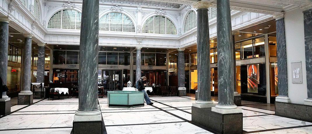 Blick ins Gebäude der Credit Suisse in Zürich: Die Bank baut ihre Nachhaltigkeitsabteilung aus.