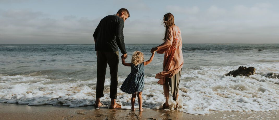 Familienglück: Zumindest die finanziellen Folgen der schockierenden Diagnose Krebs können Eltern abzusichern. © Pixabay