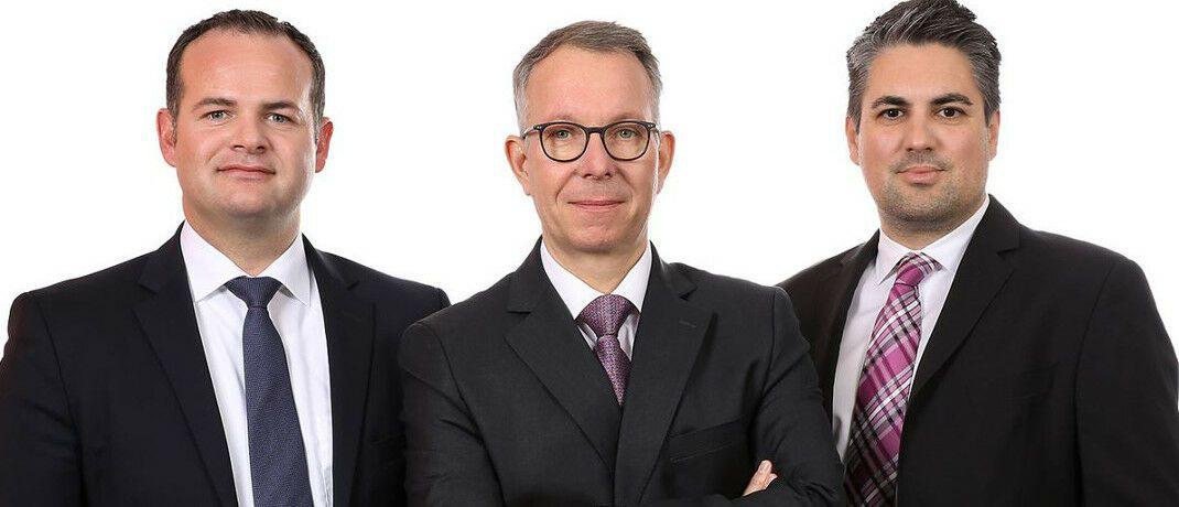 Sind als Vorstände für die Bank für Vermögen tätig: Karsten Kehl, Frank Ulbricht (Vorstandsvorsitzender), Marc Sattler, v. li. Ulbricht steht gleichzeitig dem Maklerpool BCA vor.|© BCA AG