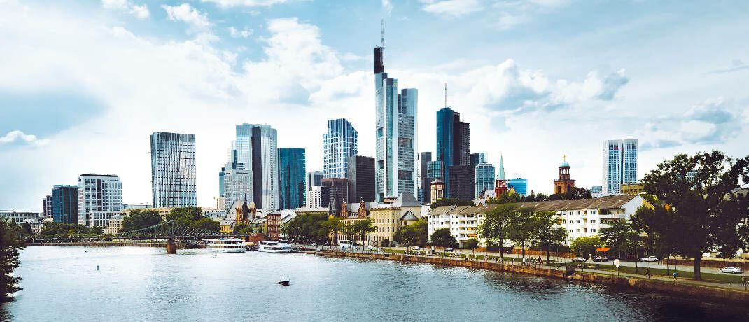 Skyline des gefragten Immobilien-Standorts Frankfurt: Die Deutsche Finance legt einen Immobilienaktienfonds auf|© Pexels