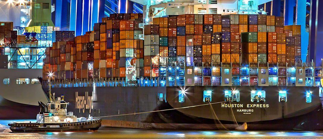 Containerschiff im Hafen von Hamburg (Symbolbild): In Hamburg hat sich ein neuer Interessenverein für Sachwerteanlagen, und damit auch Schiffe, gegründet. © Julius Silver / Pixabay