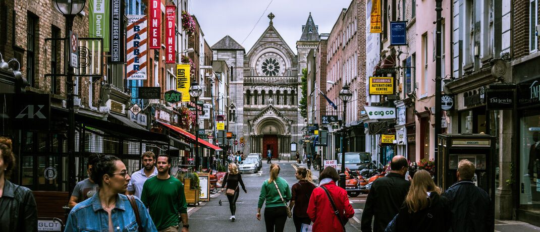 Straßenszene in Dublin. Die Ucits-Plattform von PGIM Investments ist in der irischen Hauptstadt beheimatet. Der neue Liquid-Alternative-Fonds ist die Nummer 28 der Reihe.|© Pexels