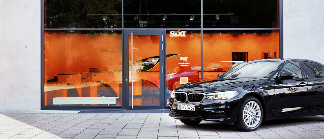 Vermietstation von Sixt: Der Autovermieter gehört zu Deutschlands bekannten Familienunternehmen und ging 1986 an die Börse.