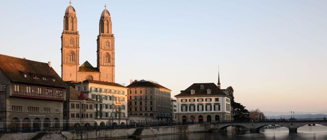 Altstadt von Zürich: Der Schweizer Vermögensverwalter GAM weist Spekulation über Übernahmegespräche zurück|© Pexels
