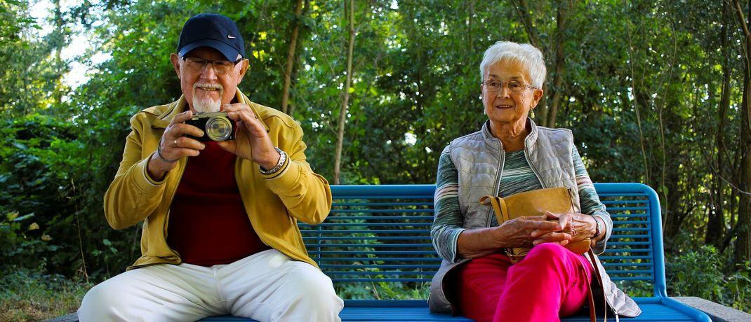 Fröhliche Rentner: Damit dieses Bild ein Normalzustand bleibt, sollte man neue Rentenwege gehen|© Linus Schütz / Pixabay