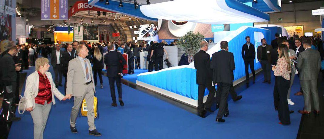 DKM 2019: Auf der deutschen Leitmesse für die Finanz- und Versicherungsbranche informierten sich Ende Oktober mehr als 17.500 Besucher an den Ständen der 358 Aussteller.