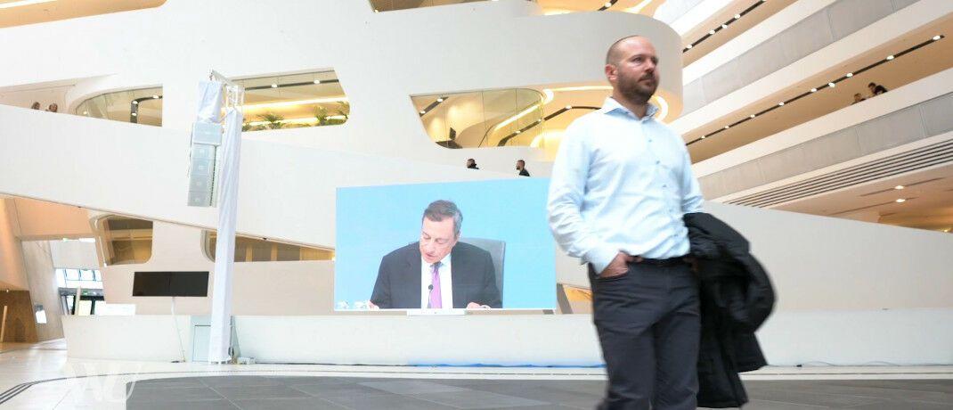 EZB-Pressekonferenz mit Mario Draghi: Christian Wagner von der Wirtschaftsuniversität Wien (im Bild) und Maik Schmeling von der Goethe Universität Frankfurt haben die Kommunikation der Notenbank untersucht.|© WU Wien